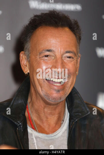 Is Bruce Springsteen Signing At Hotel During Book Tour