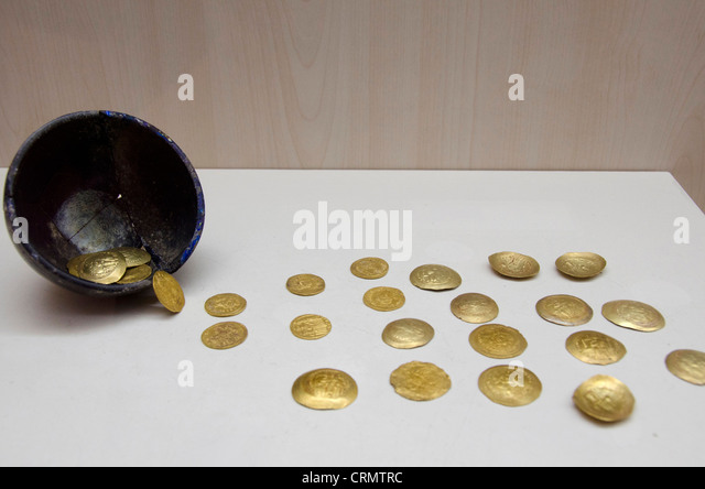 Archaeological Artifact Stock Photos & Archaeological ...
