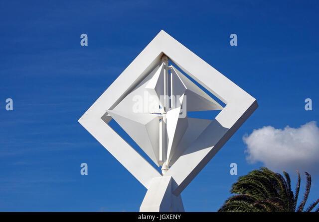 Detail von de Grossskulptur mit dem Titel Windmuehle, Kuenstler und Architekt Cesar Manrique, an der Strasse bei - Stock Image