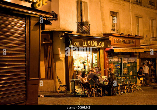rue mouffetard paris restaurant stock photos rue mouffetard paris restaurant stock images alamy. Black Bedroom Furniture Sets. Home Design Ideas