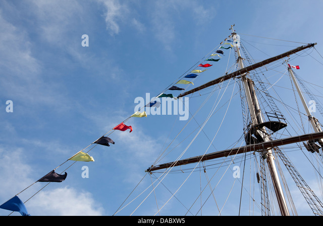 Crows nest ship stock photos crows nest ship stock images alamy tall ship mast and crows nest stock image sciox Gallery