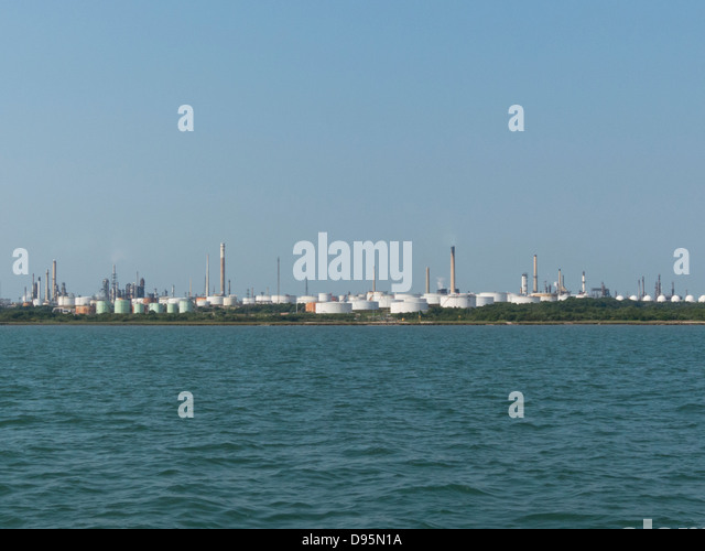 Oil Refinery and storage Tank and distillation columns on refining ...
