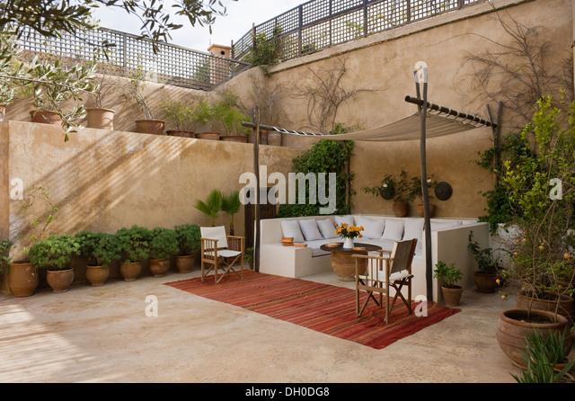 Moroccan courtyard garden stock photos moroccan - Jardin marocain terrasse ...