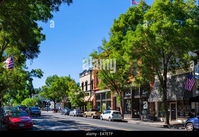 main-street-saint-helena-napa-valley-win