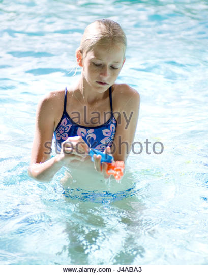 Girls With Water Guns Stock Photos Girls With Water Guns Stock Images Alamy