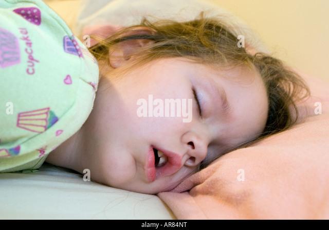 cuming on sleeping girls