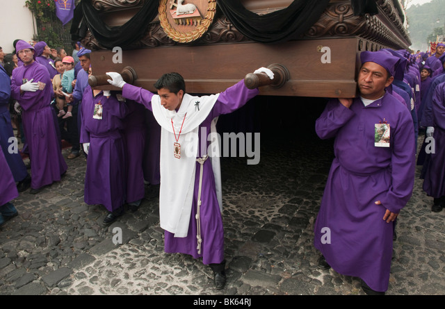 holy week in guatemala Holy week is a beautiful time in the church's liturgical calendar people all over the world celebrate with prayer, mass, processions, and re-enactments.