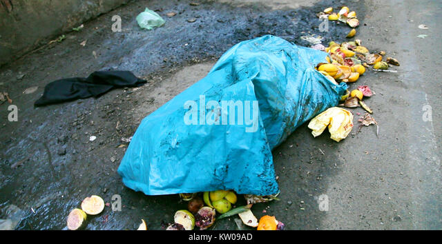 Pick waste road stock photos pick waste road stock images alamy - Rd wastebasket ...