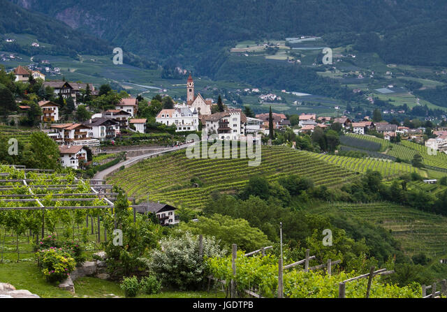 Bei meran stock photos bei meran stock images alamy for Lana bei meran
