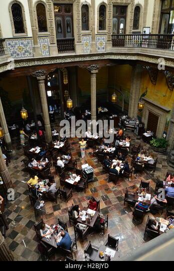 Sanborns stock photos sanborns stock images alamy for Casa de los azulejos centro historico