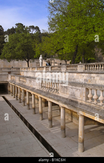 jardin de la fontaine stock photos jardin de la fontaine stock images alamy. Black Bedroom Furniture Sets. Home Design Ideas