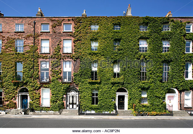 Old Fashioned Houses old fashioned georgian dublin houses stock photos & old fashioned
