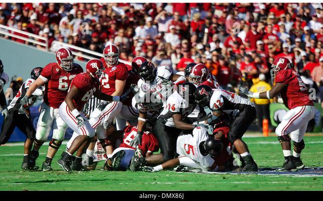 usa college football bowl who plays football on thursday