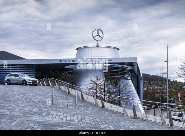 Headquarters mercedes benz stuttgart stock photos for Mercedes benz office