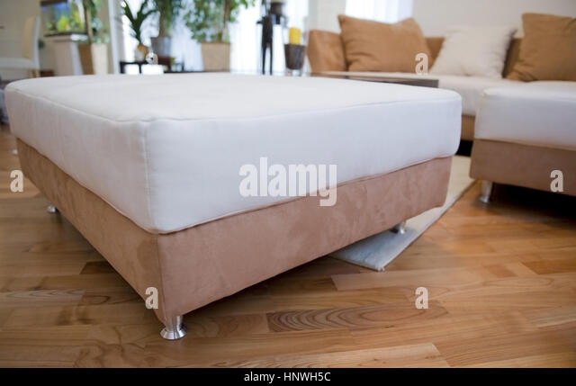 H cker stock photos h cker stock images alamy for Wohnzimmer hocker