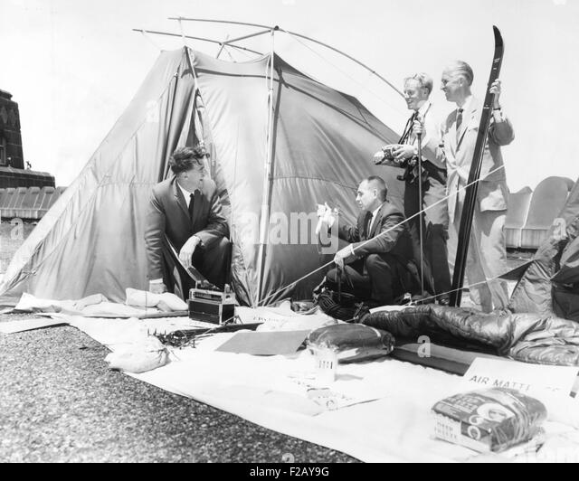 Sir Edmund Hillary getting ready for the Abominable Snowman expedition. Dec. 20 1960  sc 1 st  Alamy & Edmund Hillary Stock Photos u0026 Edmund Hillary Stock Images - Alamy