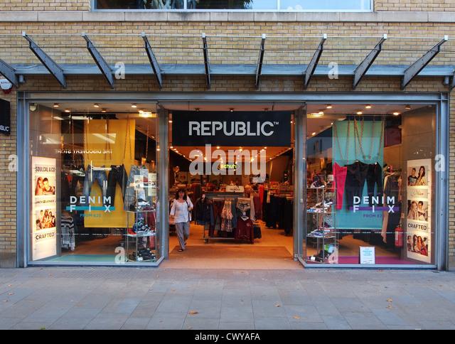 Shop Republic. likes. Shop Republic te invită să începi o nouă experiență online, cumpărând produse deosebite alese pe sprânceană de specialiștii noștri.