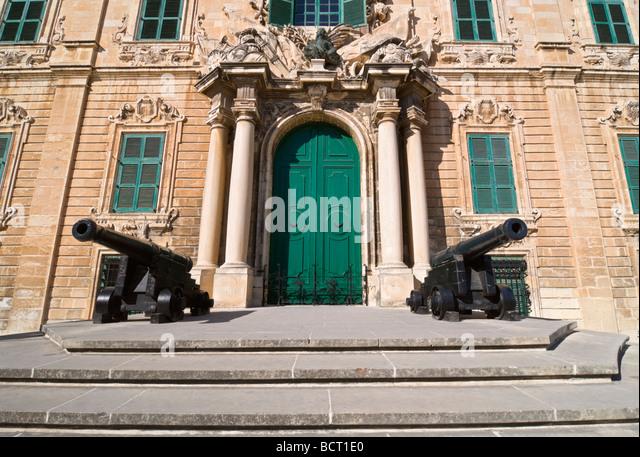 Auberge stock photos auberge stock images alamy for Chez leon meuble quebec
