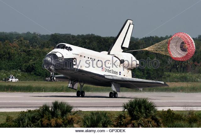 during a space shuttle landing a parachute deploys - photo #28