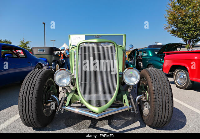 Green 1933 Ford Roadster with front view during car show in Springdale Arkansas. - & 1933 Ford Car Stock Photos u0026 1933 Ford Car Stock Images - Alamy markmcfarlin.com