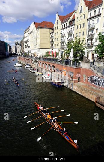 berlin germany tourist boat on stock photos berlin germany tourist boat on stock images alamy. Black Bedroom Furniture Sets. Home Design Ideas