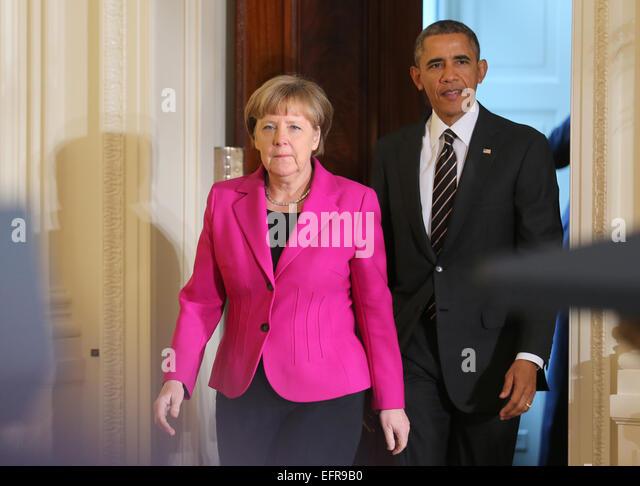 washington dc usa 09th feb 2015 german chancellor angela merkel l barack obama enters oval