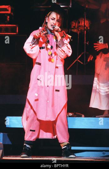 boy-george-pop-group-culture-club-1983-bpthyr