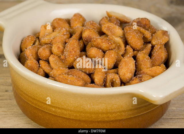 how to make dry roasted peanuts salted