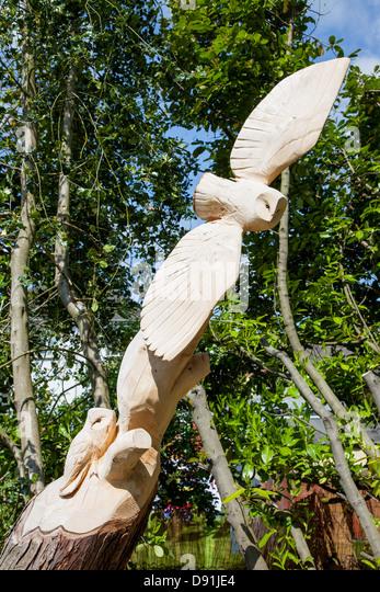 Owl carving stock photos images alamy