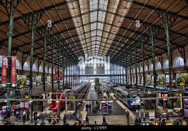 gare du nord eurostar stock photos gare du nord eurostar stock images alamy. Black Bedroom Furniture Sets. Home Design Ideas