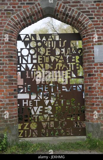 Brugge gate with metal lettering - Stock Image