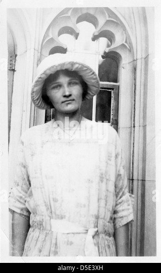 cecilia payne-gaposchkin thesis Cecilia payne-gaposchkin - wikipedia cecilia helena payne-gaposchkin (may 10, 1900 – december 7, 1979) was a when payne's dissertation was reviewed, astronomer.