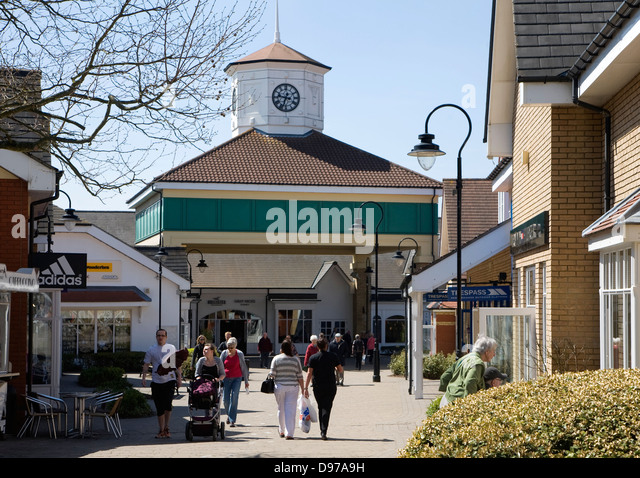 Sep 08,  · Set in a relaxing village environment, Freeport Braintree offers an escape from the stresses of city shopping. Everything you need is right here, from great places to eat to fantastic offers and events from over 85 stores!/5().