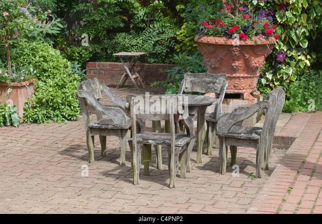 pots patio stock photos pots patio stock images alamy