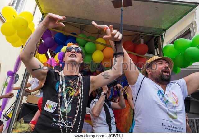 gay varese annunci italia