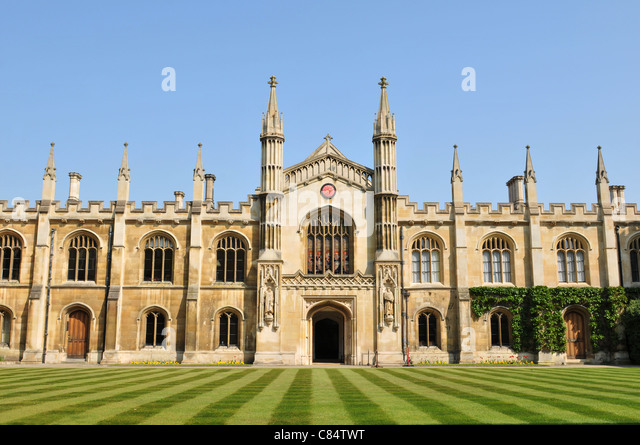 Cambridge clock corpus christi college stock photos for Cambridge architecture