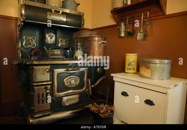 old-fashioned-kitchen-a76y6r (640×446) | kitchen | pinterest