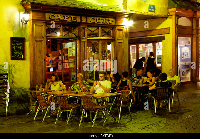 french bistro restaurant stock photos french bistro restaurant stock images alamy. Black Bedroom Furniture Sets. Home Design Ideas