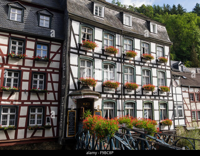Buildings in monschau germany stock photos buildings in for Eifel germany hotels