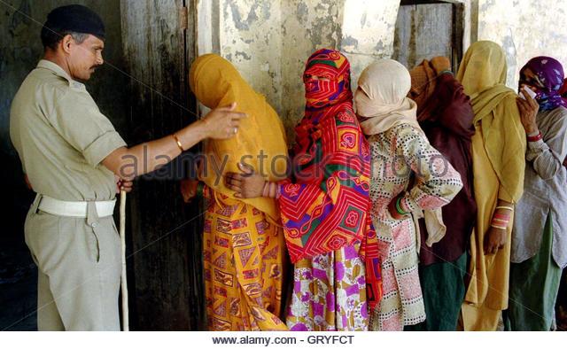 hindu single women in medina Personals » women seeking men » wa » single ladies in medina 98039 women seeking men in medina, wa browse the available women in medina, wa at.