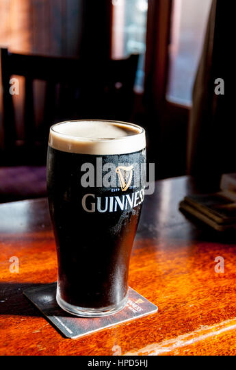 Irish stout stock photos irish stout stock images alamy for Guinness beer in ireland