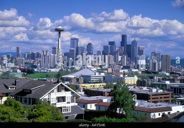 Seattle skyline space needle houses stock photos seattle for American home builders washington
