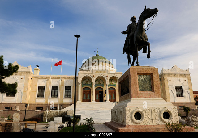 Mustafa Kemal Ataturk Statue Stock Photos & Mustafa Kemal ...