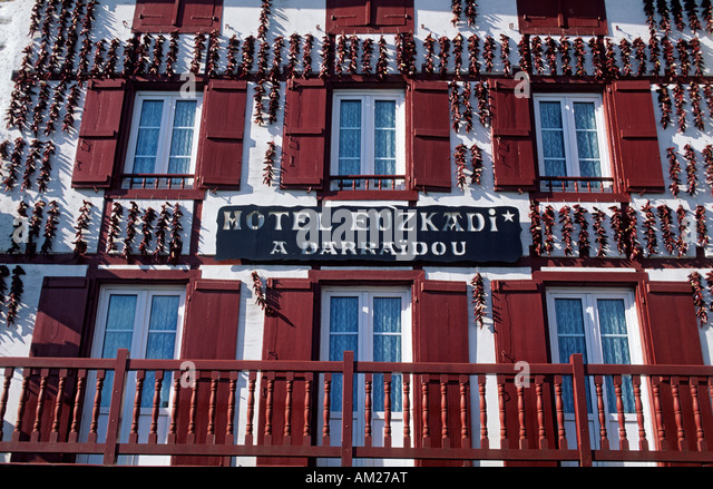 Espelette hotel euzkadi for Hotel design pays basque