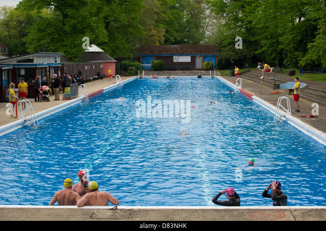 Jesus green pool cambridge stock photos jesus green pool cambridge stock images alamy for Jesus green swimming pool cambridge