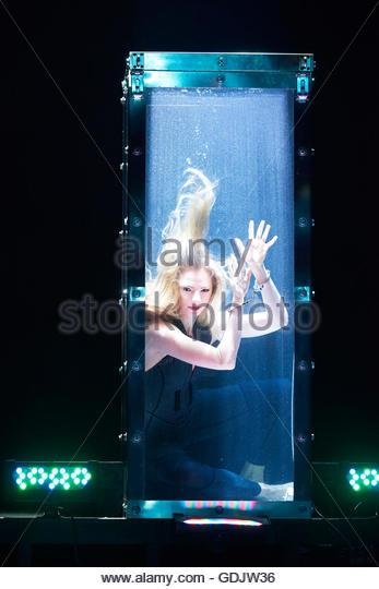 Water Tank Magic : Magic show stock photos images alamy