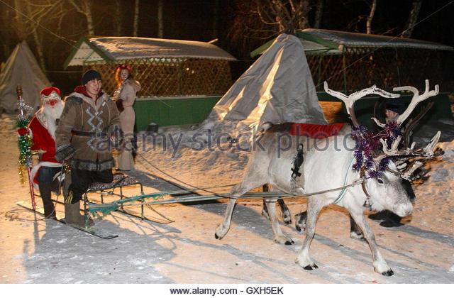frosts meet santa and reindeer
