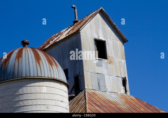 Vintage grain elevator hardtner kansas population 183 hardtner