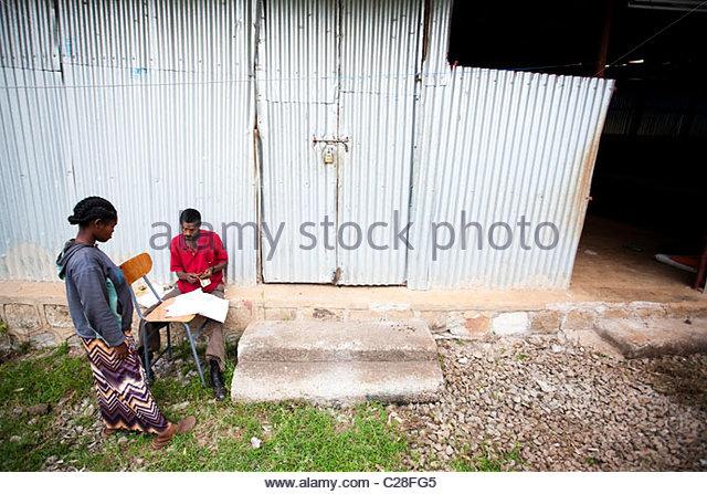 Boss pay stock photos boss pay stock images alamy - Facily pay oney ...