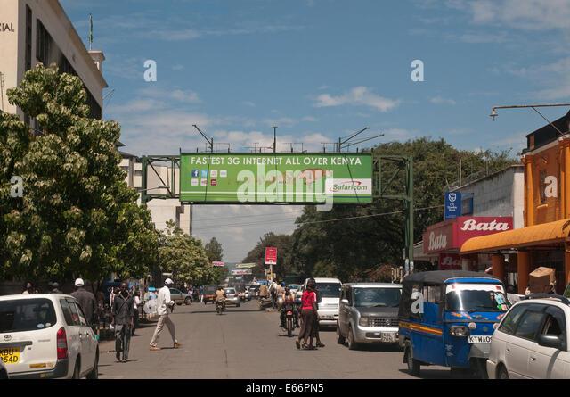 Photos and pictures of: Kenyatta avenue, Street scene, Nairobi ...